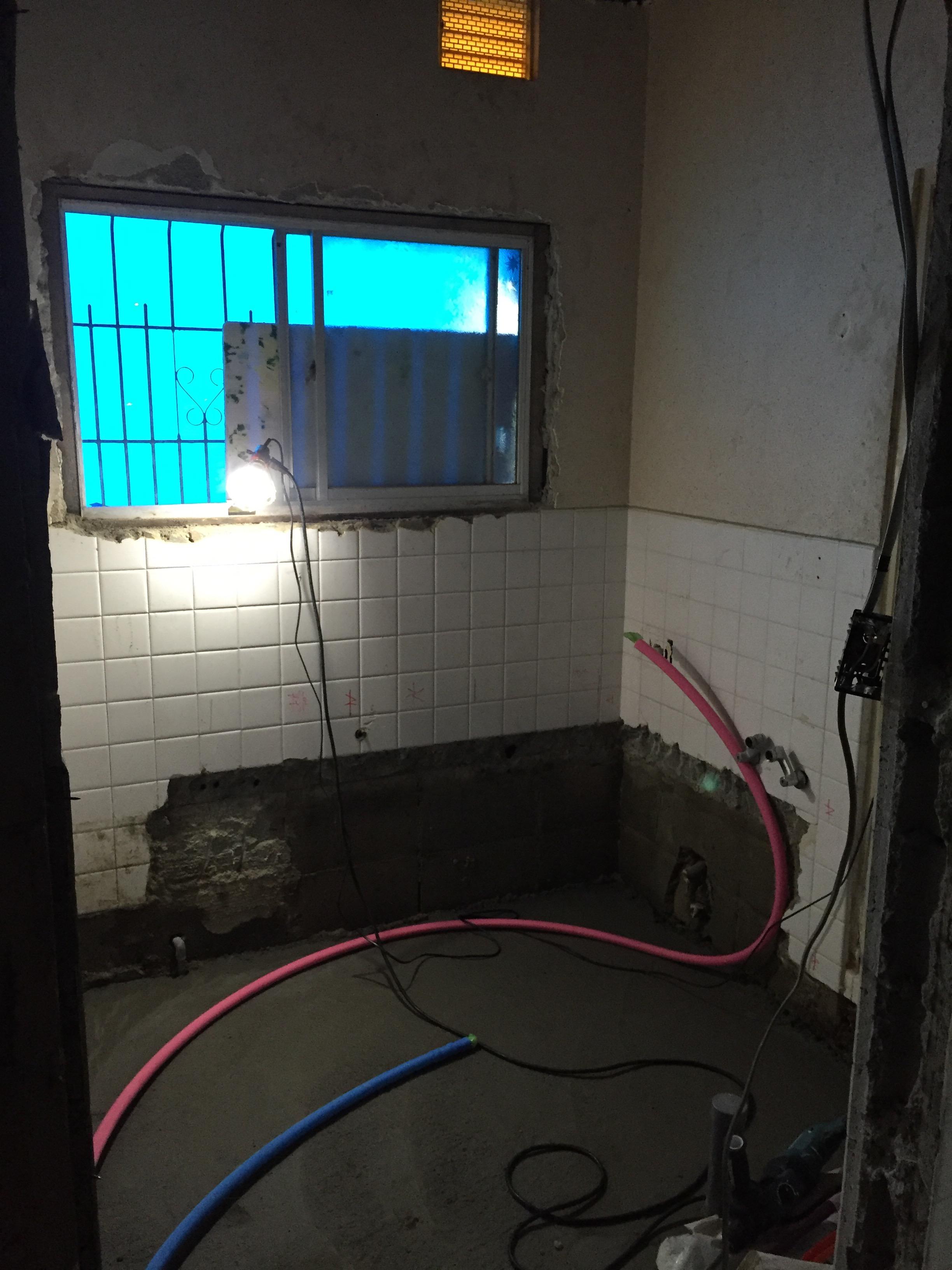 西条市 浴室・脱衣所リフォーム 施工中3