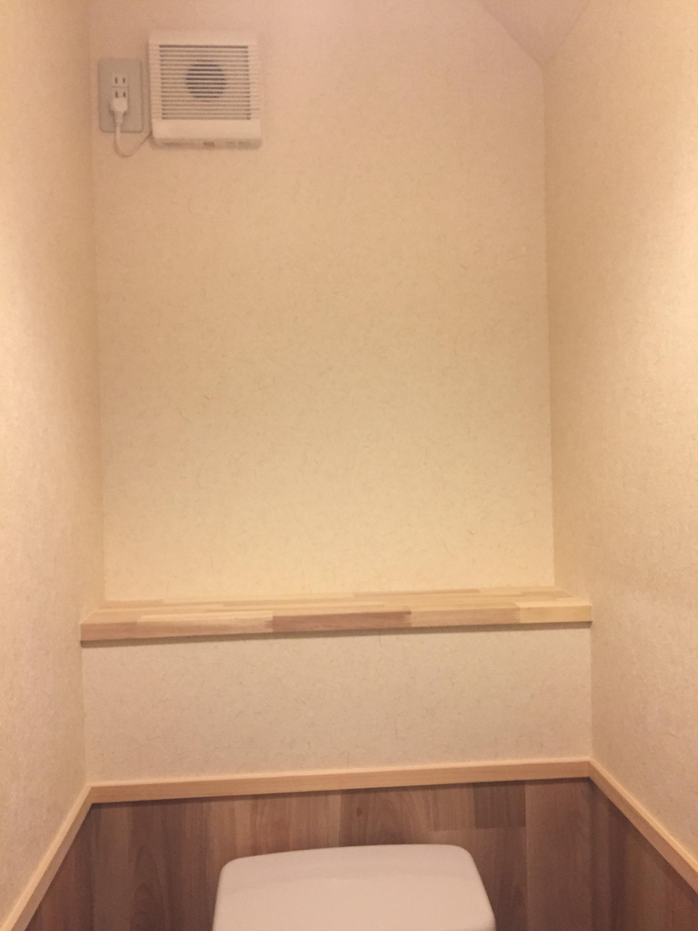 西条市 和式トイレから洋式トイレにリフォーム 施工後 棚