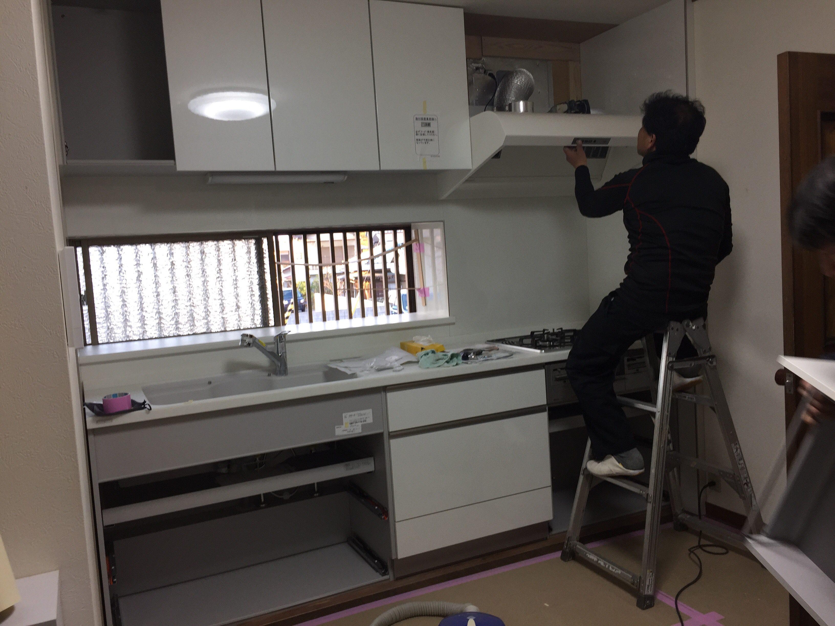 新居浜市 使いやすいキッチンへリフォーム 施工中