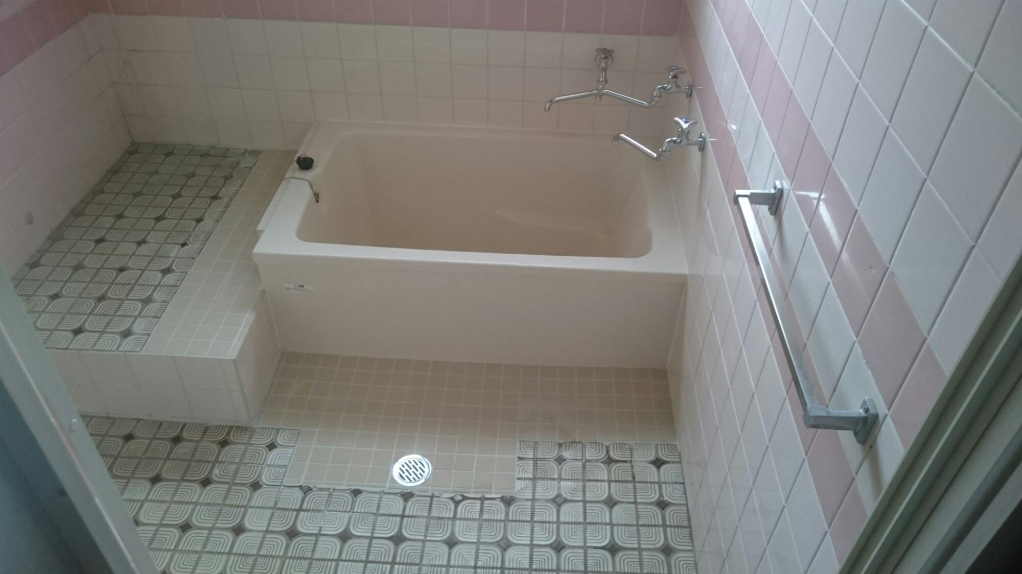 西条市 浴槽入替え タイル補修リフォーム 施工後