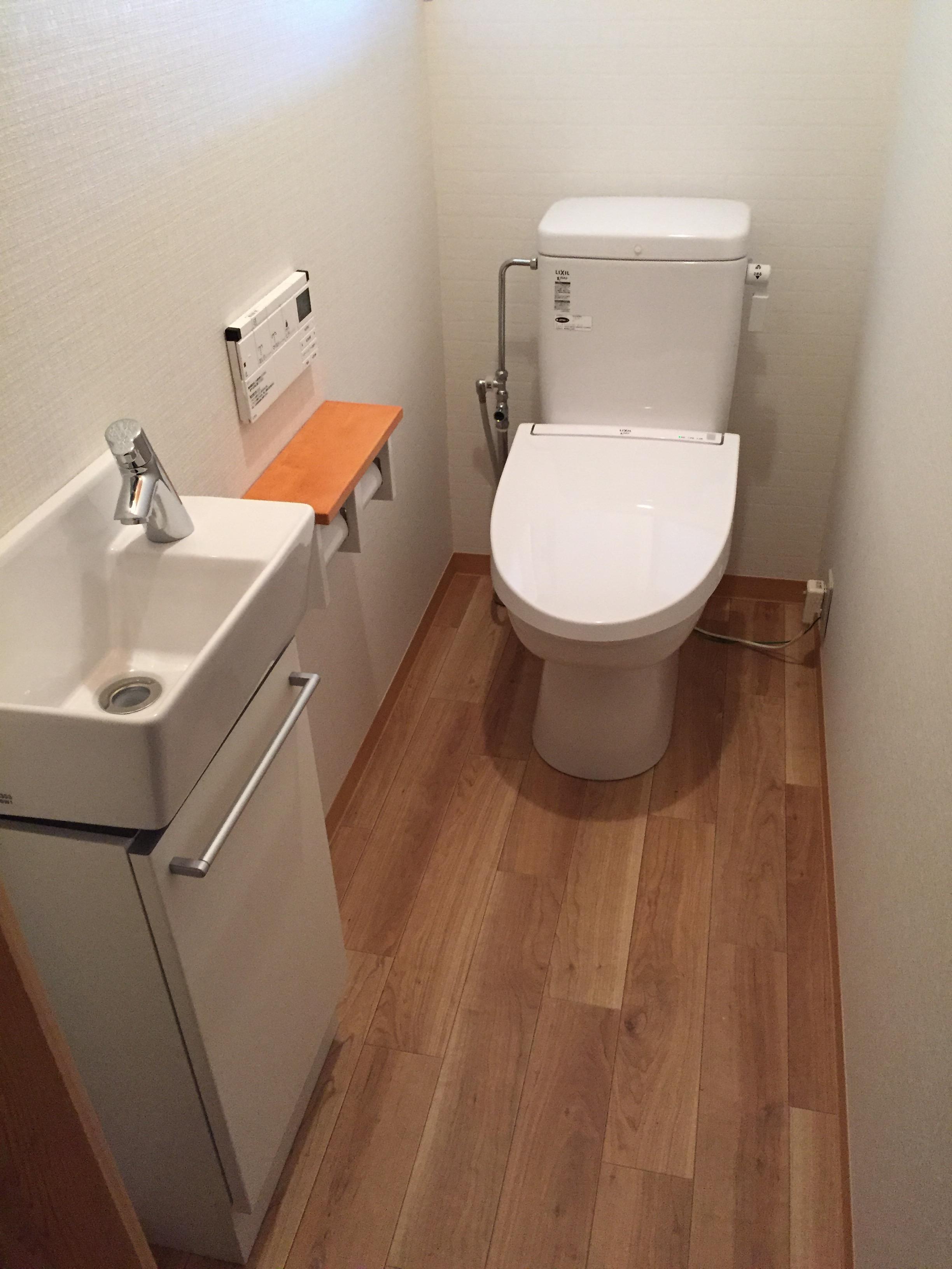 西条市 和式から簡易水栓トイレへリフォーム 施工後
