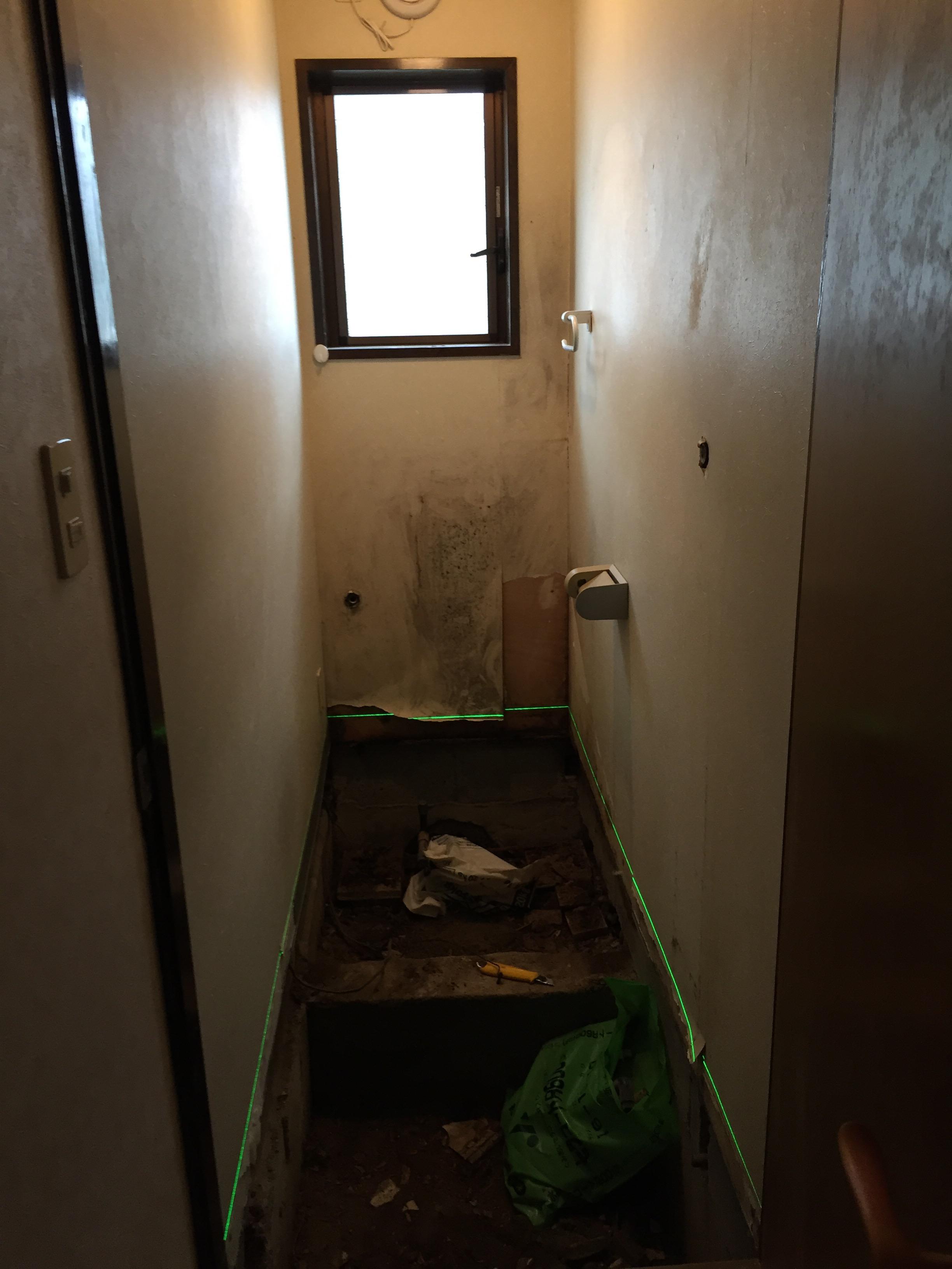 西条市トイレリフォーム工事 解体後