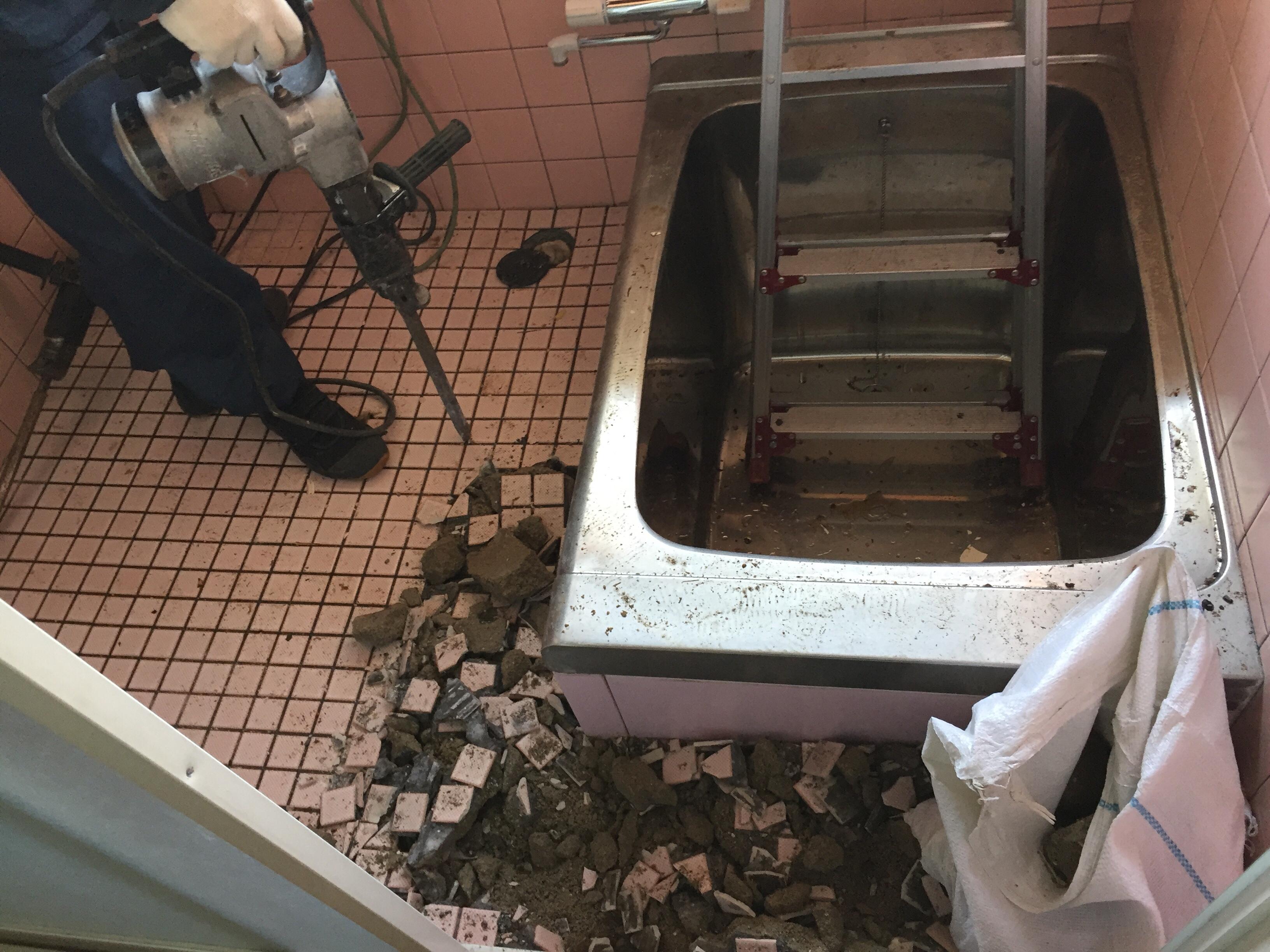 新居浜市H様邸お風呂リフォーム解体